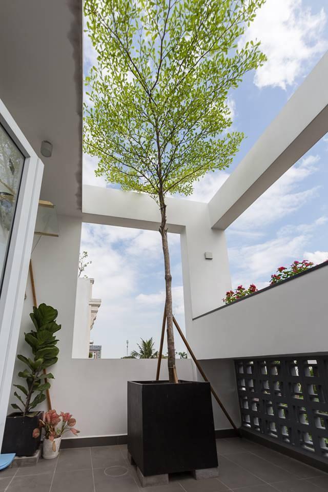 ngôi nhà gạch bông gió - khu vực sân thượng