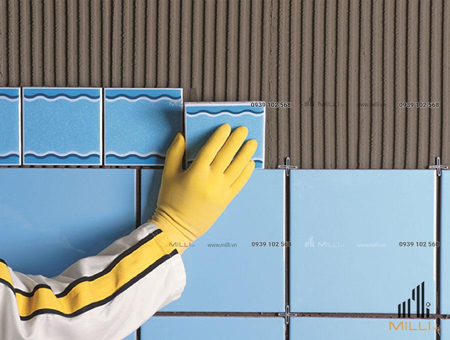 Ốp gạch mosaic bằng kéo dán gạch weber đúng kỹ thuật