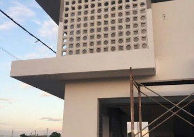 Thi công gạch bông gió trang trí mặt tiền biệt thự HCM