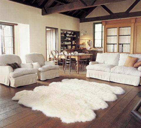 trang trí thảm trắng dưới sàn nhà